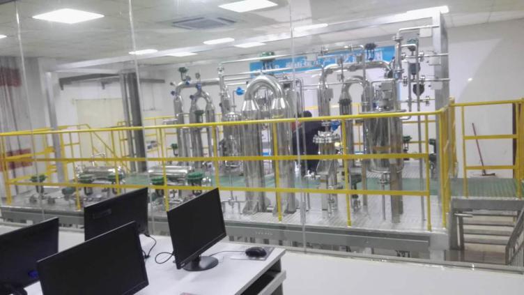 河池学院聚丙烯半实物仿真工厂中控室及现场设备